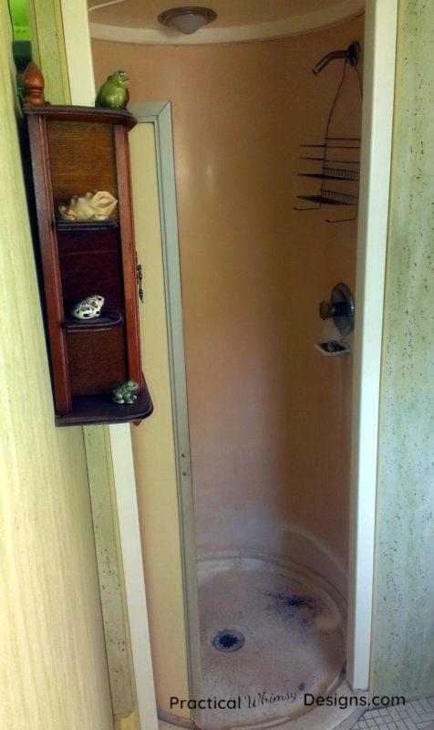 Round Master Bathroom Shower before remodel