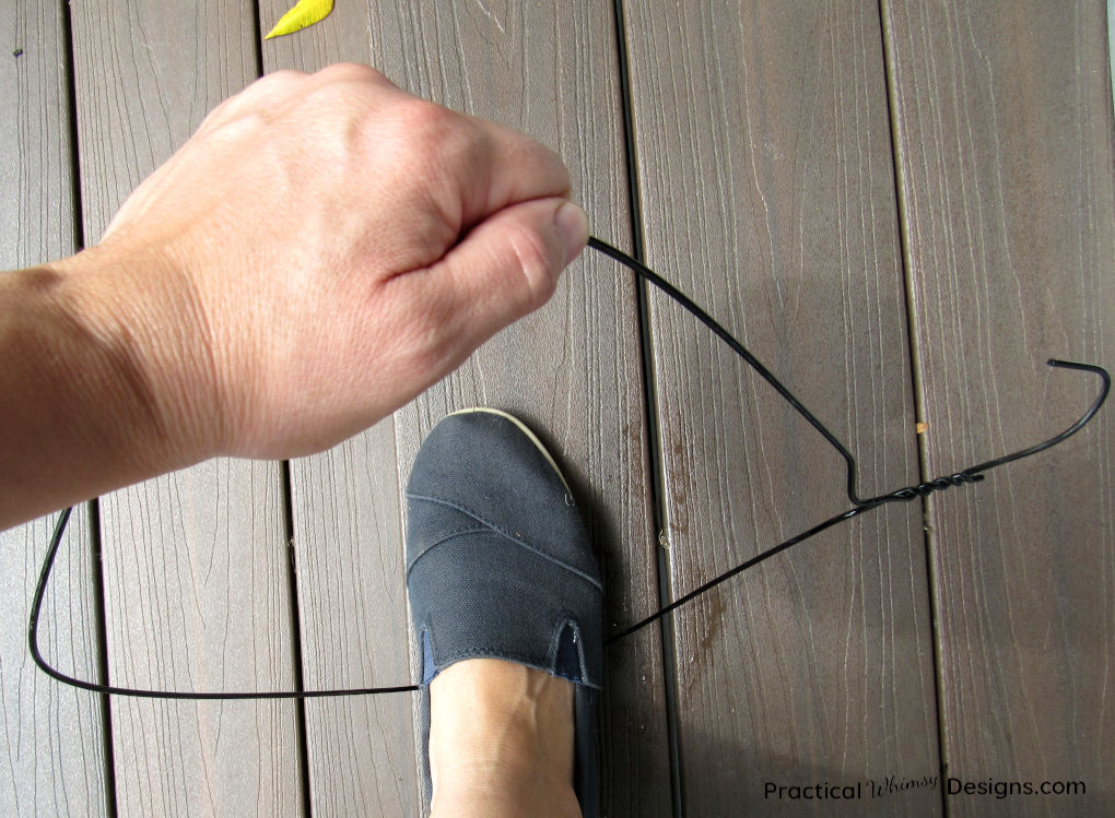 Bending hanger with feet