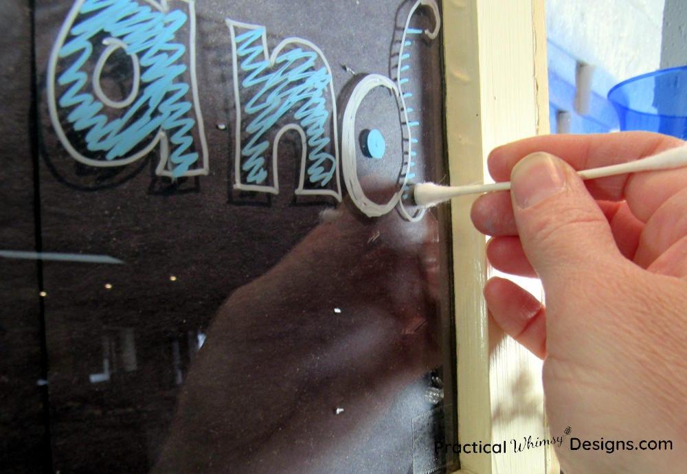 Fixing a mistake on faux chalkboard drawing