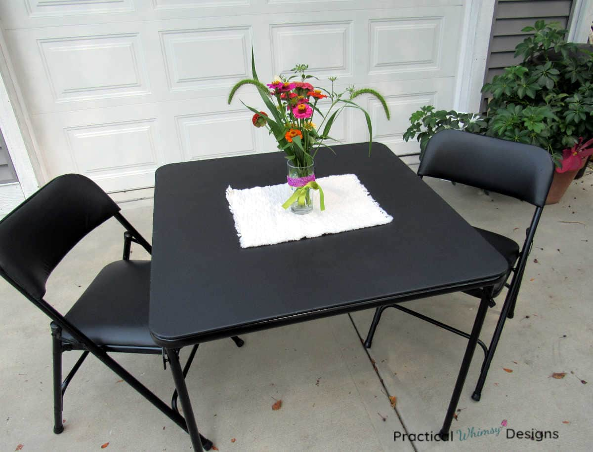 How to refinish a folding table: card table and chairs with flowers on table