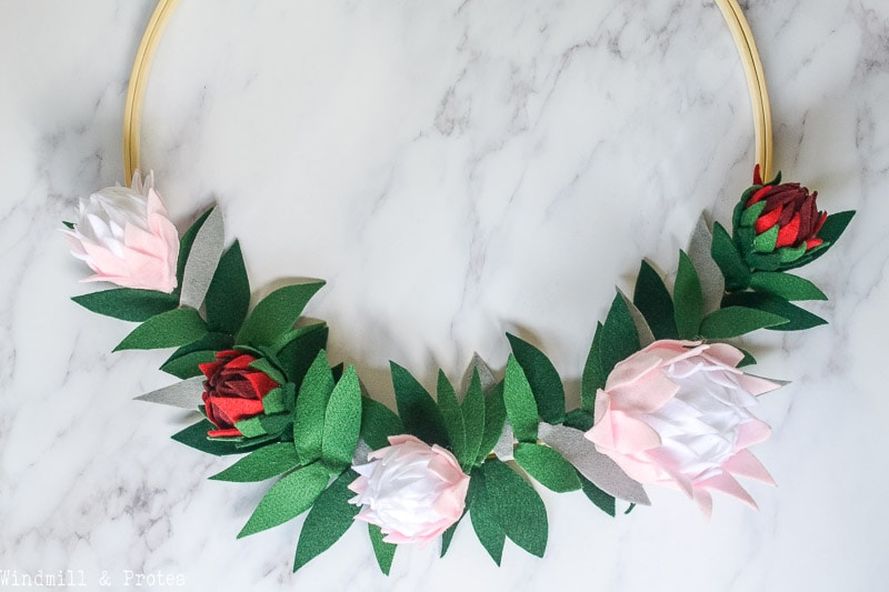 DIY felt protea wreath